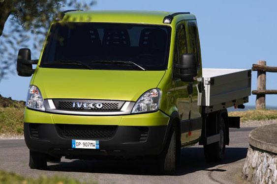 Бортовая платформа на базе шасси IVECO Daily 35C13D (ИВЕКО Дейли 35С13Д) с двухрядной кабиной